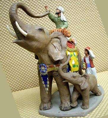 C. DELGADO  rey Gaspar en elefante con paje. 11 cms. 2007