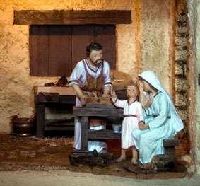 """Jesús  habla  con  María y José sobre el  porque  estaba   en el  templo  con  los  Maestros de la ley y les dice: """"Porque me buscaban? no saben que tengo que estar donde mi Padre""""."""