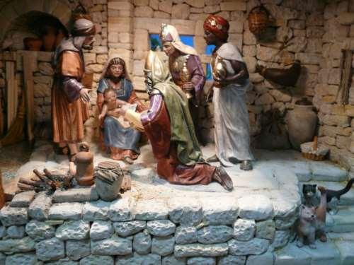 11) Detalle del grupo de la Epifanía.
